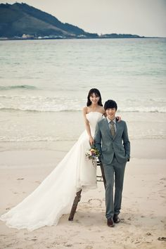 Pre-Wedding at the beach in Jeju Island, Korea by May Studio | www.OneThreeOneFour.com