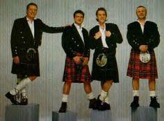 Bay City Rollers - Scottish pop singing group. http://www.kiltmen.com/celeb-baycityrollers.JPG