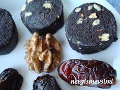 Hurmalı mozaik pasta tarifi Hurmalı mozaik pasta nasıl yapılır Vegan mozaik pasta tarifi  Vegan beslenmeyi tercih edenler için, ç...