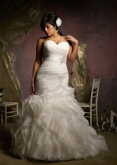 Ruffled Organza Plus Size Mermaid Strapless Wedding Dress.