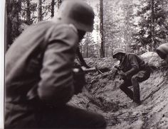 A German and a Russian soldier encounter in a trench in WWII