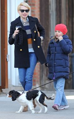 Michelle Williams & Matilda from Celebrity Pets: Miley Cyrus' Puppy, Taylor Swift's Cat & More The adorable duo take their dog, Lucky, out for a stroll on the streets of New York. Matilda, Heath Ledger Daughter, Michelle Williams Style, Taylor Swift Cat, Jennifer Love Hewitt, Celebrity Kids, Mom Daughter, New York Street, Love Her Style