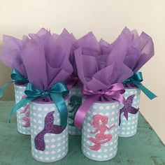 La imagen puede contener: planta y flor Mermaid Theme Birthday, Girl Birthday Themes, Birthday Party Decorations, Birthday Parties, Little Mermaid Parties, The Little Mermaid, Diy And Crafts, Crafts For Kids, Custom Gift Bags