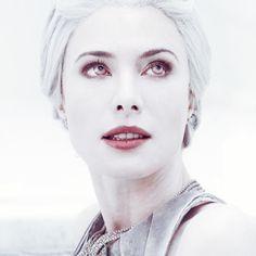 "Stahma Tarr (Jaime Murray-5'7""). Defiance. Albino Alien. #Jaime #Murray #Jaime_Murray"