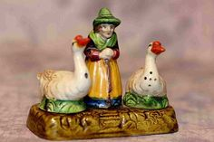 1940's Nodder Style Salt & Pepper Set MOTHER GOOSE & 2 GEESE great colors