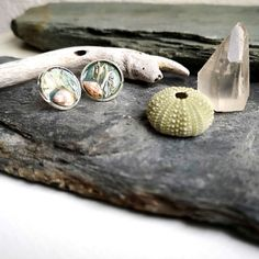 These Terrarium Rock Pool Earrings were designed to connect you to the power of the sea. I know that so many people, like me, feel the call of the waves and the salty breeze in their soul. My aim is to bring a little slice of that bohemian ocean escape to my customers ♡ _______________________________________    WO