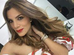 Perfection @anyoliabregos  Makeup @itziakbeauty Hair #ByMyself