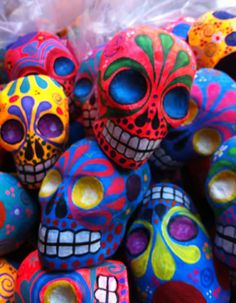 High quality, hand made papier mache skeleton & sugar skull folk art to celebrate Dia de los Muertos from the leader in Day of the Dead merchandise for more than a decade. Mexican Skulls, Mexican Folk Art, Memento Mori, Sugar Skull Art, Sugar Skulls, Day Of The Dead Skull, Arte Popular, Paperclay, World Of Color