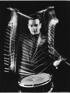 Fabulous stop-motion photography, a la Eadweard Muybridge Drummer-Gene-Krupa-Performing by gjon mili Gjon Mili, I Love Cinema, Drum Lessons, Multiple Exposure, Pics Art, Photos Du, Shutter Speed, Portraits, Black And White Photography