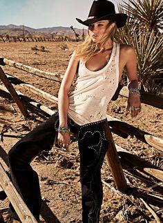 ❤ Cowgirls Country Fashion ❣⒱Ⓘ Cowboy Girl, Sexy Cowgirl, Western Girl, Cowgirl Chic, Western Chic, Cowgirl Style, Western Wear, Cowgirl Fashion, Vaquera Sexy