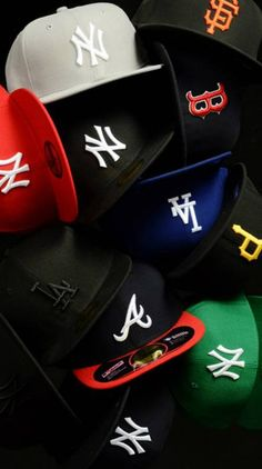 New Era caps Custom Fitted Hats, Fitted Caps, New Era Logo, New Era Cap, Streetwear Hats, Streetwear Fashion, Nike Outfits, Swag Outfits, Dope Hats