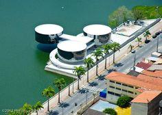 Museu de Arte Popular da Paraíba, de Niemeyer, em Campina Grande, PB