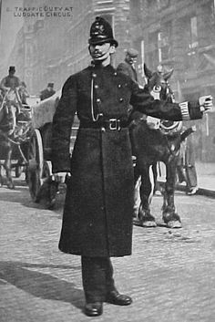 A Late Victorian London policeman just like Inspector Minahan