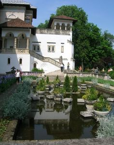 In Serban Cantacuzino built a monastery on the Cotroceni hill. Bulgaria, Romanian Castles, Capital Of Romania, Palace Of The Parliament, Wonderful Places, Beautiful Places, Visit Romania, Beautiful Park, Bucharest