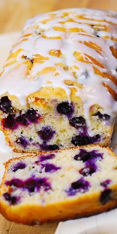Lemon blueberry bread - Blueberry lemon bread with lemon glaze blueberries bread lemon summer glaze breakfast breakfastbread Lemon Desserts, Köstliche Desserts, Delicious Desserts, Dessert Recipes, Yummy Food, Dessert Bread, Non Dairy Desserts, Plated Desserts, Def Not