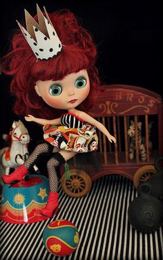 circus blythe ~ now there's an easy crown I can make for Blythe!
