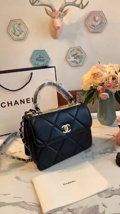 Chanel Handbags, Fashion Handbags, Purses And Handbags, Fashion Bags, Leather Handbags, Luxury Purses, Luxury Bags, Luxury Handbags, Designer Handbags
