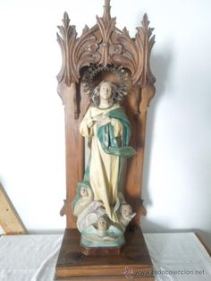 imagen de la virgen de la purisima sellada las artes religiosas olot en capilla de madera neogotica