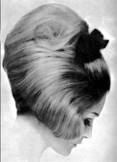 ah - 1964 - sept - 000 Updo Styles, Hair Styles, Style Année 60, 1960s Hair, Hairspray, Vintage Hairstyles, Updos, Hairdresser, Wigs