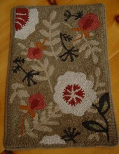 Primitive Flower Hand Hooked Floral Wool Rug Rug Hooking ~♥~