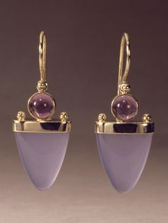 14k gold earring with chalcedony and amethyst by Patrick Murphy