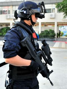 Chinese People's Liberation Army Special Operations Forces // Chinese Digital Soldier System technology at 2011 (4)-1
