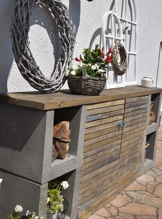 DIY chest of drawers for the garden - Elas decoration ideas-DIY Kommode für den Garten – Elas Dekoideen DIY chest of drawers for the garden – - Diy Chest Of Drawers, Diy Jardin, Diy Casa, Wooden Slats, Wood Pallets, Decoration Table, Garden Projects, Diy Projects, Design Projects
