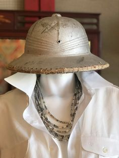 394020eef350d Vintage Pith Helmet Safari Hat 1940 s Militaria