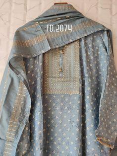 Pakistani Dresses Casual, Pakistani Dress Design, Indian Attire, Indian Outfits, Fancy Kurti, Dress Alterations, Embroidery Suits Design, Kurta Designs Women, Kurti Designs Party Wear