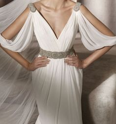 Wanna look like a Greek goddess? Choose a Grecian-styled wedding gown! Flowing, with airy silhouettes and from light fabrics, these dresses are gorgeous . Greek Goddess Dress, Greek Dress, Greek Goddess Costume, Toga Dress, Dress Up, Greek Wedding Dresses, Prom Dresses, Grecian Wedding, Beautiful Dresses