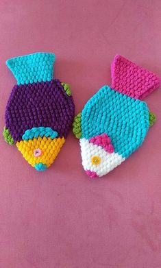 orgu baliklari Baby Knitting Patterns, Crochet Flower Patterns, Crochet Designs, Crochet Flowers, Crochet Symbols, Crochet Chart, Diy Crochet, Crochet Baby, Rainbow Crochet