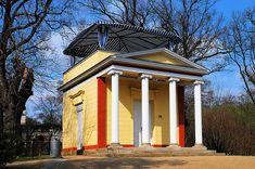 Potsdam Pomonatempel (1800) auf dem Pfingstberg - Schinkel 1. Bauwerk von Schinkel. Der 19-jährigen Karl Friedrich Schinkel war zu der Zeit noch völlig unbekannt!!!! Der Bauherr erkannte aber das ungewöhnliche Talent des Studenten.