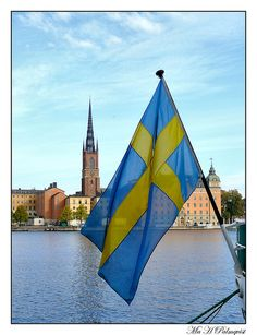 Makes me think of my Swedish Grandpa whom I loved dearly. Can't wait visit my cousin Tord! Swedish Flag, Swedish House, Northern Lights Trips, Flags Of The World, Most Beautiful Cities, My Heritage, Time Travel, Cool Places To Visit, Stockholm