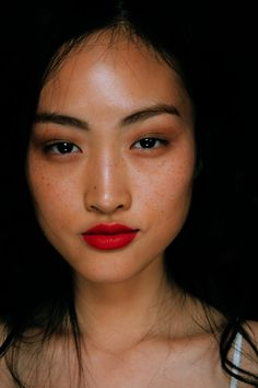 Jing Wen @ Burbbery Prorsum Spring 2015 Backstage