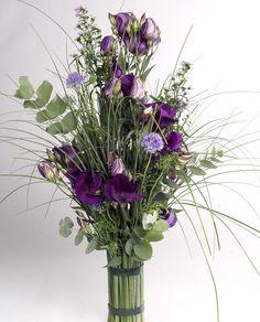 Die Stiele der #Lisianthus ( #Eustoma ) sind recht lang und dadurch lassen sich die Blumen hervorragend in langen Blumensträußen verarbeiten.| #herrlich #Lisianthus