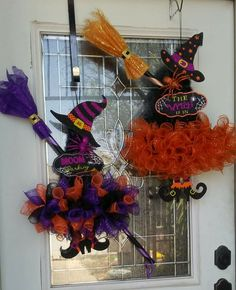 Deco Mesh Witch Wreath by LoversLaneCrafts on EtsyEtsy listing witch wreath with legs, tutu and hatThis witch is decked out in her finest dress and hat ready for Halloween! Her body is made from purple deco mesh, ribbon and black tulle. Halloween Door Wreaths, Halloween Deco Mesh, Halloween Door Decorations, Holidays Halloween, Holiday Wreaths, Fall Halloween, Halloween Crafts, Adornos Halloween, Manualidades Halloween