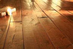 Rough, organic surfaces, rich in natural patina, are a key element of the modern country look. Reclaimed wood adds instant character and a tactile quality. Reclaimed Oak Flooring, Engineered Oak Flooring, Underfloor Heating, Modern Country, Flooring Ideas, Solid Oak, Craftsman, Hardwood Floors, Organic