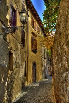 Orvieto, Italy, province of Terni Umbria Beautiful Streets, Beautiful Places To Visit, Wonderful Places, Great Places, Places To See, The Places Youll Go, Umbria Italia, Travel Around The World, Around The Worlds