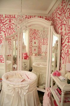 Baby room (: I LOVE THAT MIRROR!!!!