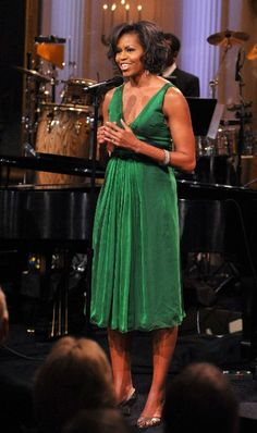 """Happy St. Patrick's Day! First Lady Fashion – Michelle Obama Rocks the """"Green"""" ! 