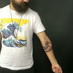 The great waves and tattoos and body art on pinterest for Kanagawa wave tattoo