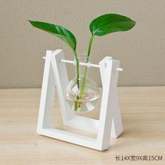 Decorative Wooden Vase With Wooden Tray– MaviGadget House Plants Decor, Plant Decor, Small Wood Projects, Diy Projects, Wooden Vase, Wooden Decor, Diy Crafts Hacks, 3d Prints, Glass Containers