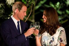 William and Kate attend a reception in Sinagpore