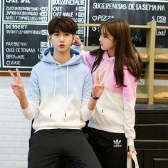 Fashion Kids, Fashion Couple, Korean Fashion, Matching Couple Outfits, Matching Couples, Cute Couples, Korean Couple, Korean Girl, Matching Hoodies