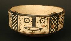 Características    Materiales: Cerámica  Periodo: Horizonte Inka. Diaguita III. Diaguita-Inka 1470- 1532 d.C.  Medidas: 77 mm de alto  Código de pieza: MCHAP 0073   cultura Diaguita