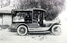 Ylivieska - Poimintoja Ylivieskan 150-vuotiaasta historiasta Antique Cars, Antiques, Vehicles, Historia, Vintage Cars, Antiquities, Antique, Car, Old Stuff