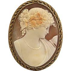 Quality In Earnest Antique Early Carved Shell Cameo Victorian Ladies Brooch Excellent
