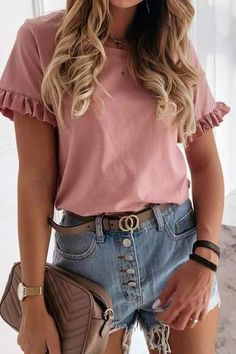 Outfits Con Camisa, Blouses For Women, T Shirts For Women, Women's Blouses, Ruffles, Ruffle Top, Spring Shirts, Plus Size T Shirts, Ruffle Shorts