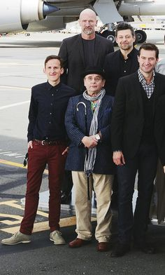 The Hobbit Cast - I had no idea Sylvester McCoy was that short. I mean, I know Richard is SUPER tall, but holy buckets.