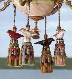 pingentes com pássaros de porcelana